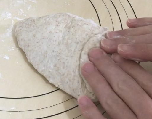 全粒粉食パン成型2